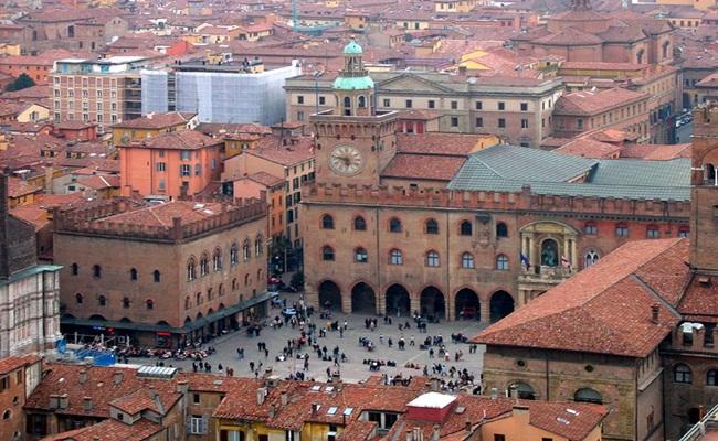 Alma Mater Studiorum University of Bologna FlickrCC 2.0 - [Eropa]14 Sekolah Hukum Terbaik